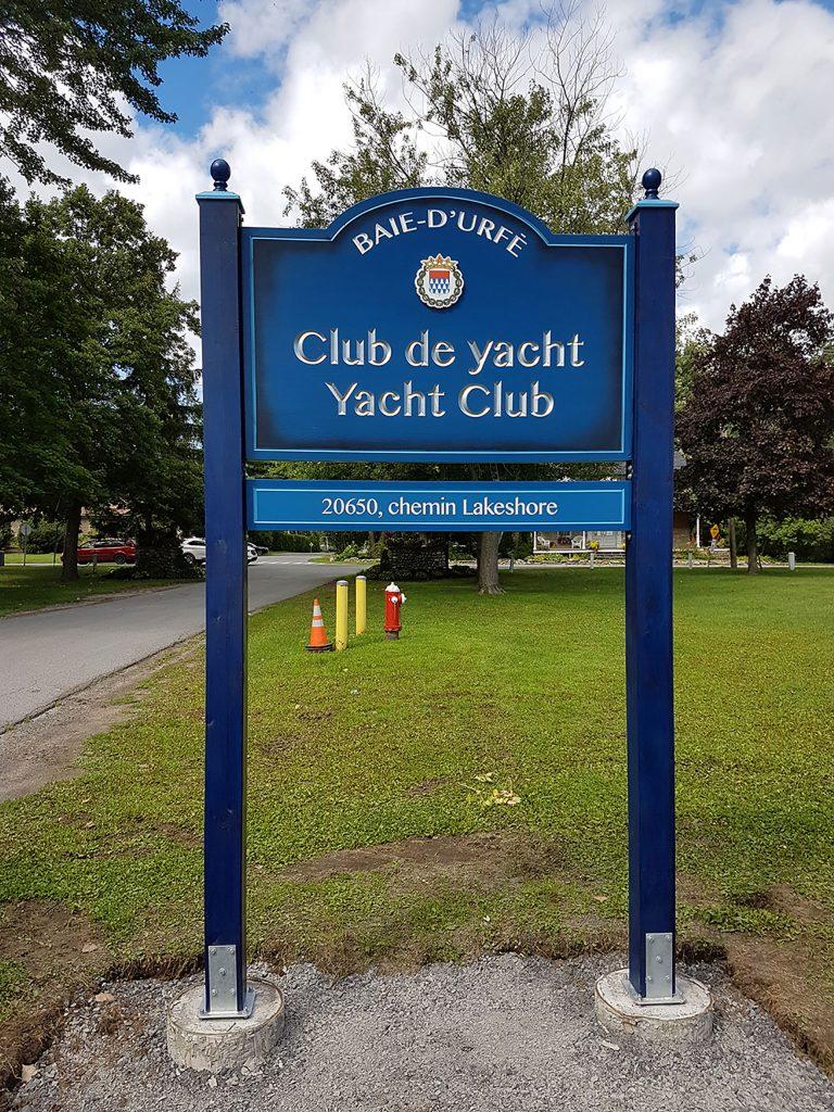 Enseigne Club de Yacht feuille aluminium et bois-Baie d'urfé